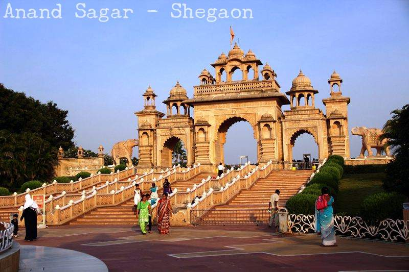 anand sagar shegaon magnificent entrance
