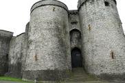 The imposing entrance to King John's Castle