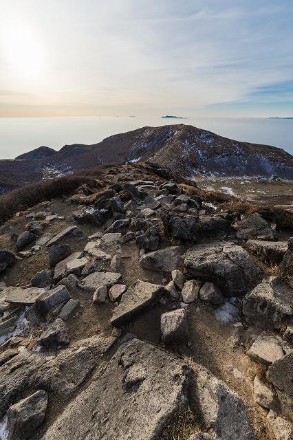稜線の先の祖母山