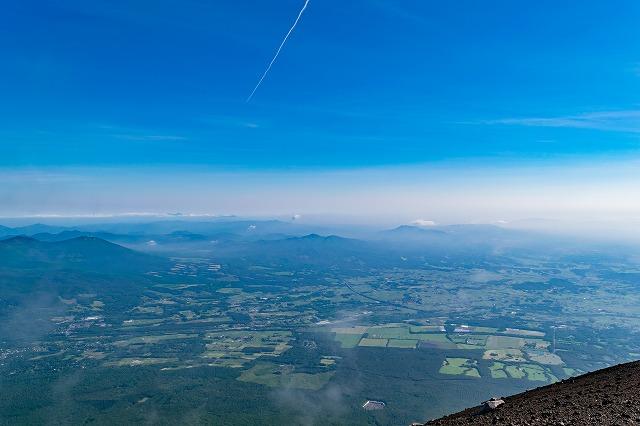 山頂から北側を望む