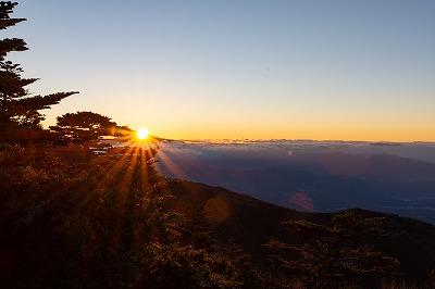 編笠山山頂からの朝日