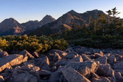 朝日を浴びる八ヶ岳