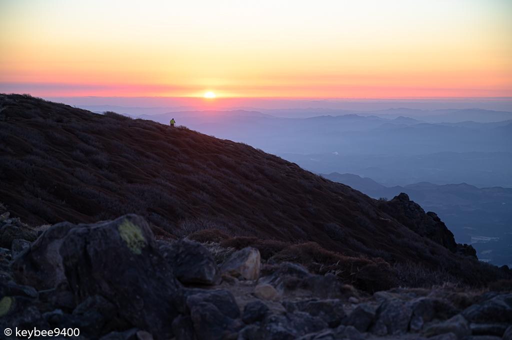 久住山稜線から眺める日の出