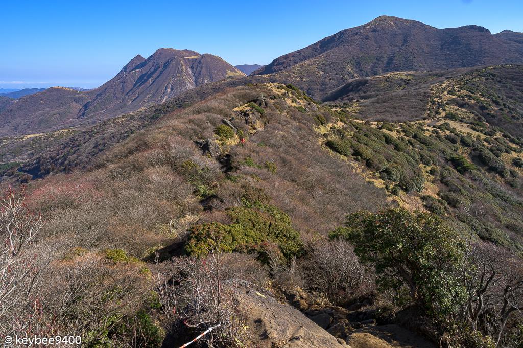 星生山と三俣山