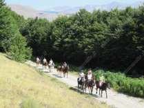 castelluccio di norcia a cavallo