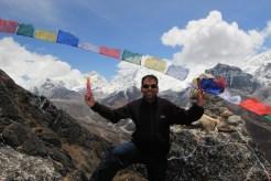 Sudip posando en campamento base del Everest