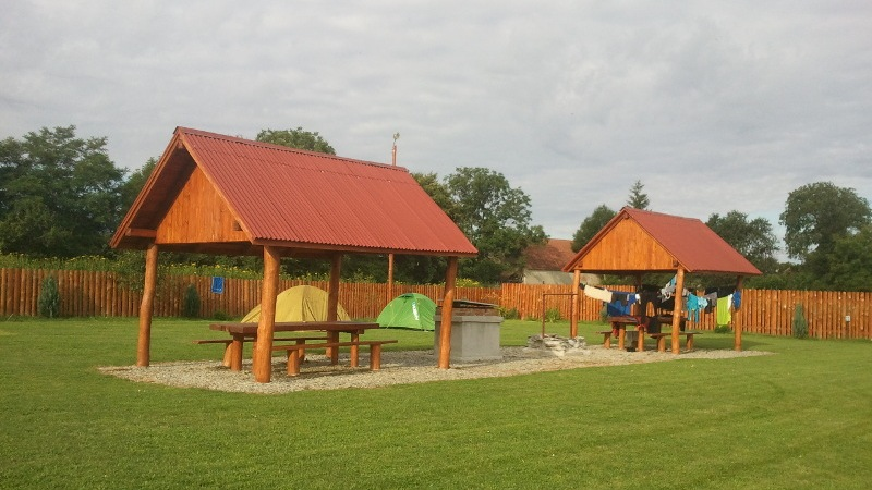 Rumunia, czy nadal dzika Cartisoara pole namiotowe trekkingowo