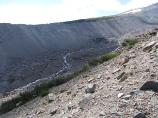 The steep walls of the Lateral Moraine of the Eliot Glacier.