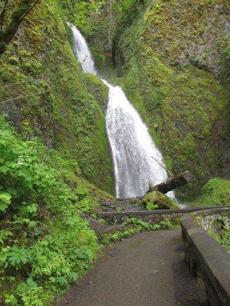 Wahkeena Falls by the upper stone bridge