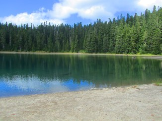 Bear Lake was our lunch spot.