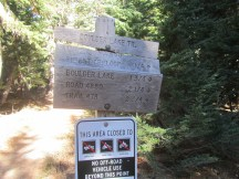 Sign at the start of the Boulder Lake Trail