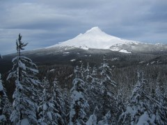 Clear photo of Mt. Hood.