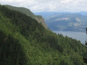 At one the few view spots you get a look over to Indian Point and the Columbia River.