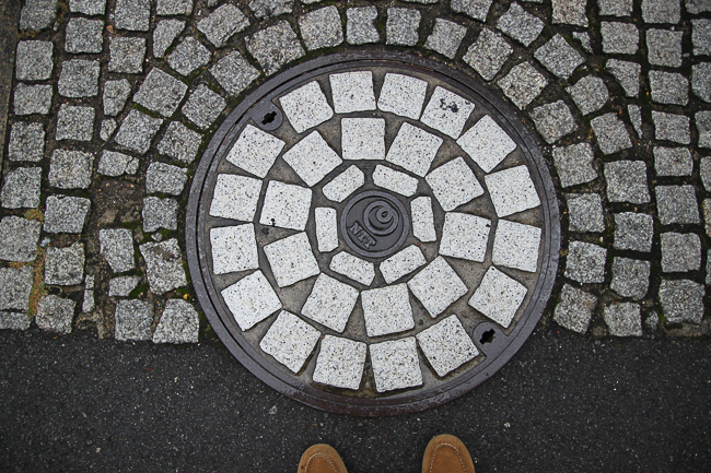 HImeji impressed from the get go. Here the manhole is designed to match the sidewalk