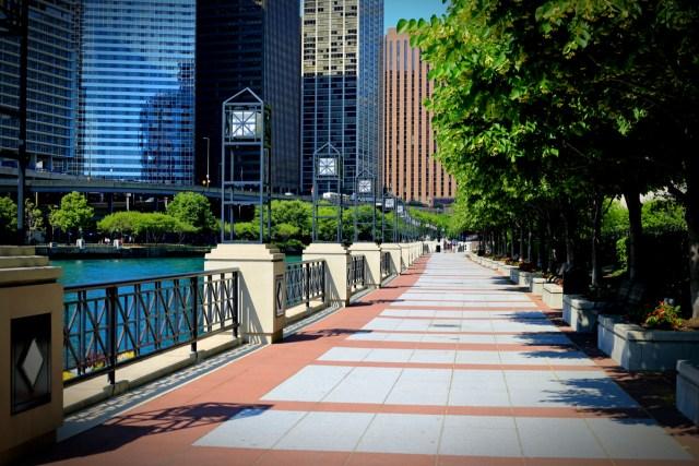Chicago Riverwalk By Thomas Barrat.jpg