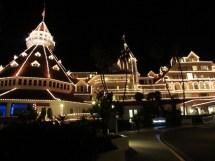 Hotel Del Coronado Holiday Trench Coat Travels