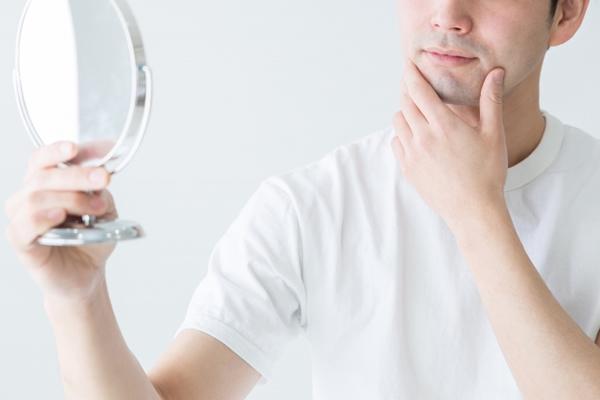 男の顔の粉ふきの原因は?効果的な改善策&簡単なスキンケア方法は?