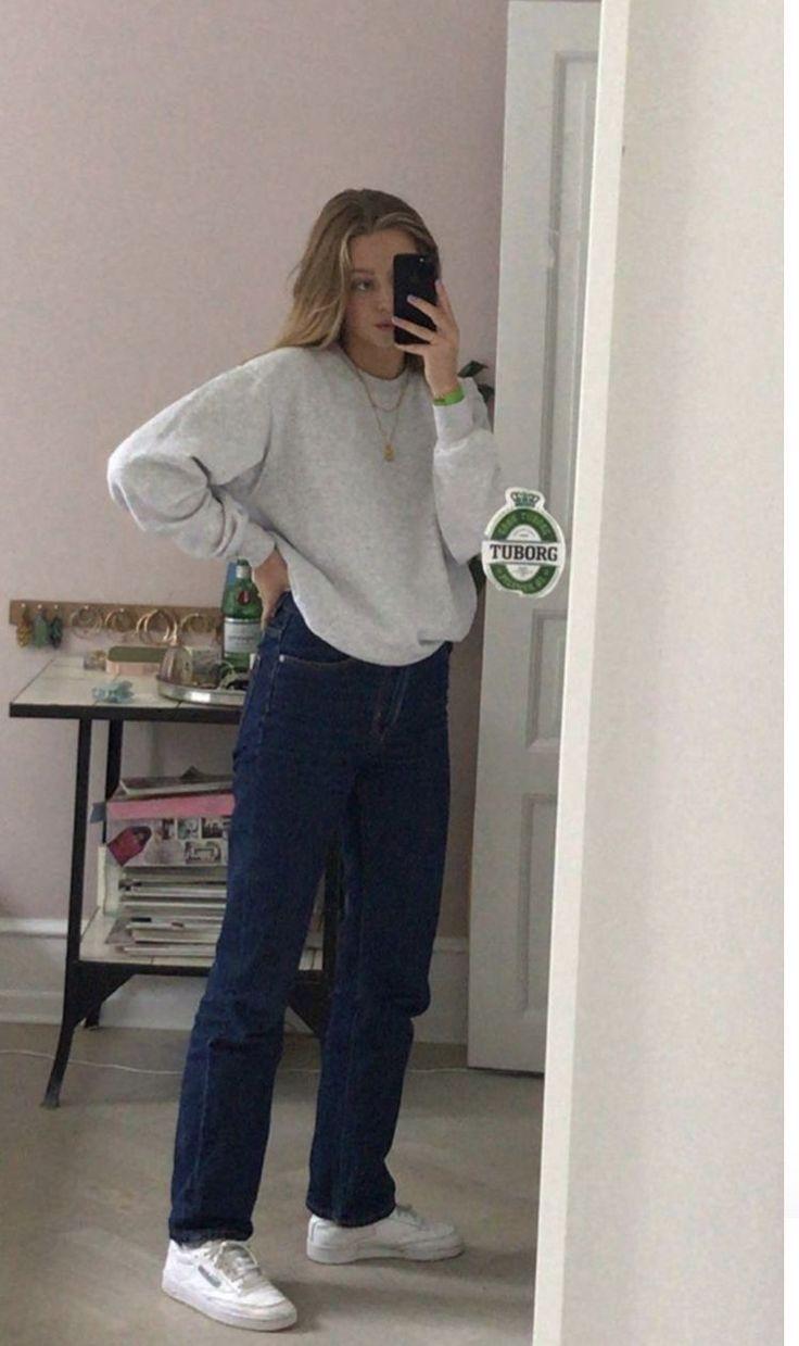 skater girl aesthetic outfit