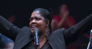Audio Music+ lyrics CeCe Winans - King of Glory