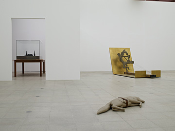 Mark Manders @ The Hayward Gallery
