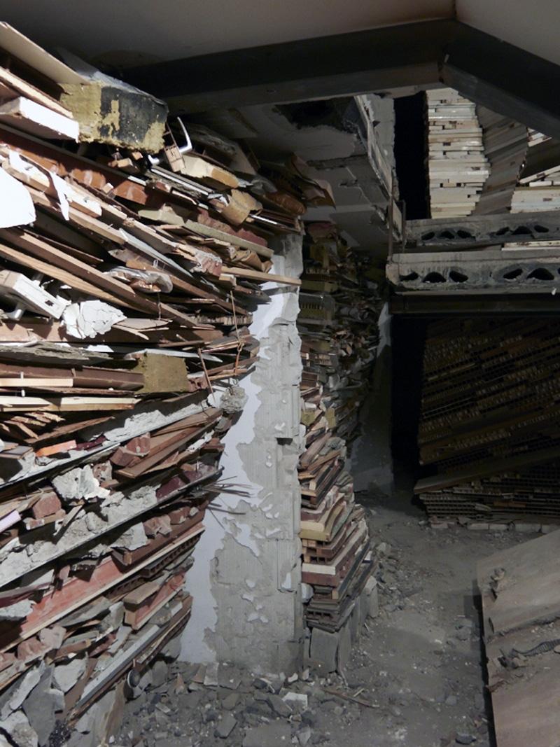 Verwoest Huis - Marjan Teeuwen
