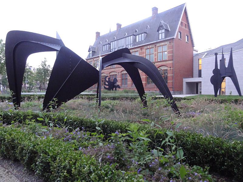 9 En dan de mooiste, onze Miereneter, 1963, de enige Calder in Nederland, uit jawel Hoogvliet, geleend van Sculpture International Rotterdam
