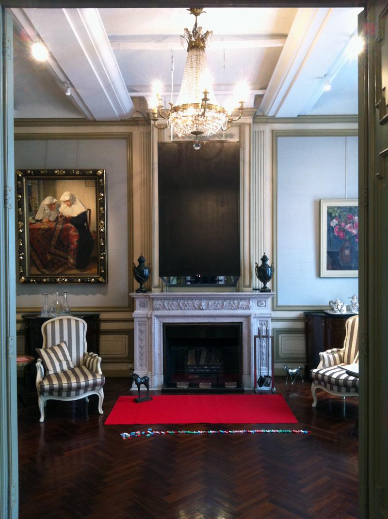 Door de muren het huis zien, kunst bij de gouverneur in huis