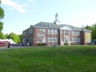 In de serie Upstate New York: deel 2 The School in Kinderhook – El Anatsui: Five Decades