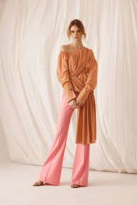 Adeam06-resort18-61317