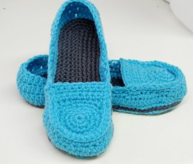 Crochet Sneaker Pattern Free Crochet Pattern Womens Loafer Slippers A Pair Of Knit Or