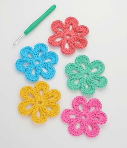 Easy Crochet Flower Pattern Small Crochet Flower Pattern 1000lives