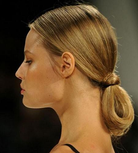 12-tips-to-take-your-ponytail-game-a-level-higher-5