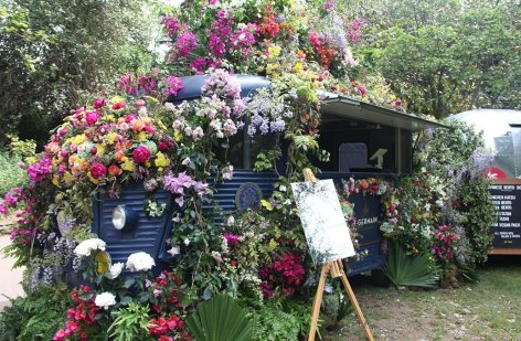 Even the coffee cart was covered in blooms