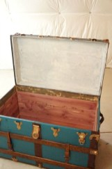 Ideas To Decorate Your House With Vintage Chests And Trunks 12