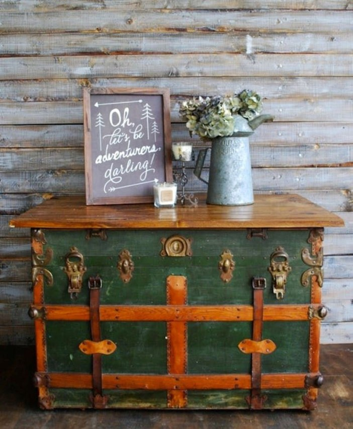 Ideas To Decorate Your House With Vintage Chests And Trunks 33