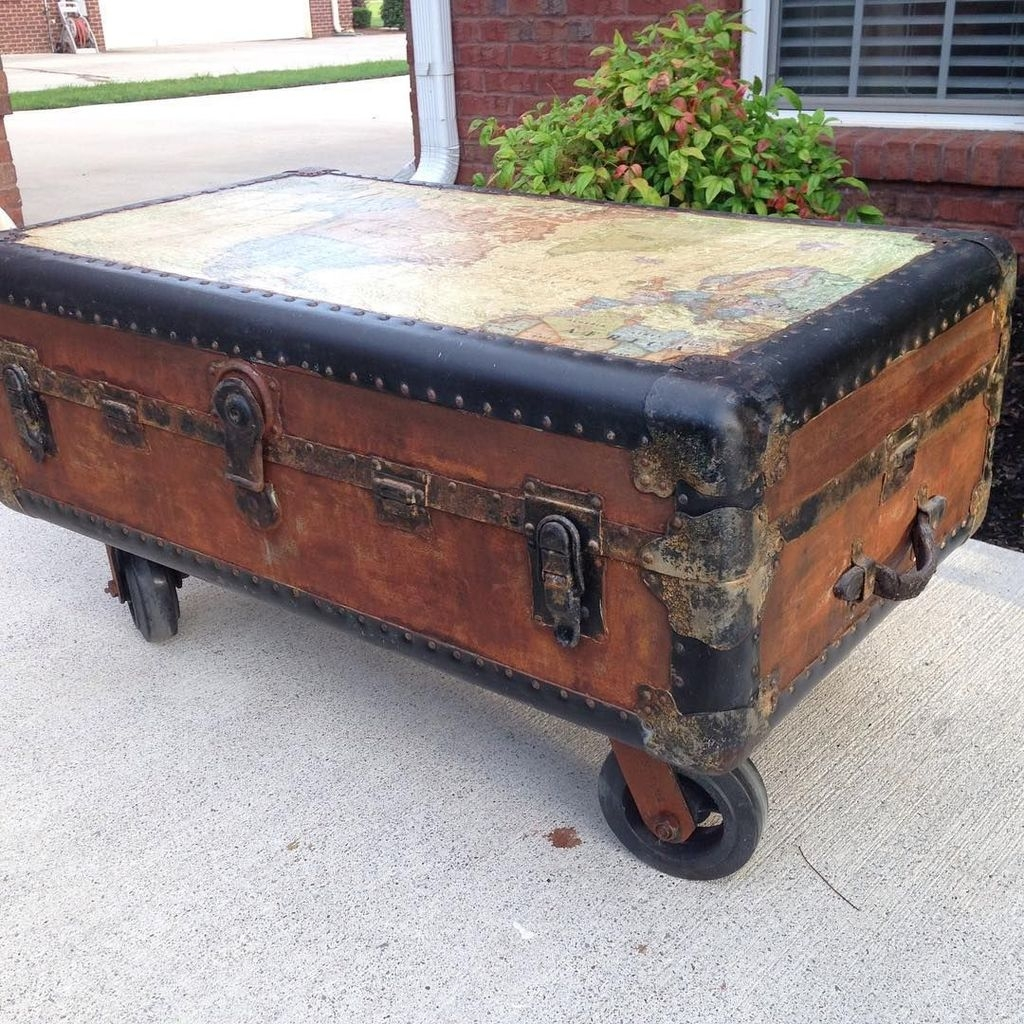 Ideas To Decorate Your House With Vintage Chests And Trunks 40