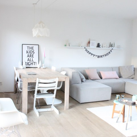 Inspirations To Choosing The Right Tables For Cramped Room 37