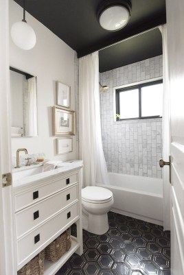Inspiring Bathrooms With Stunning Details 15