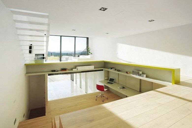 Minimalist Micro Apartment With A Hint Of Color 06