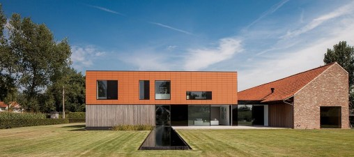 Spectacular Designs Of Minimalist Two Storey House 17
