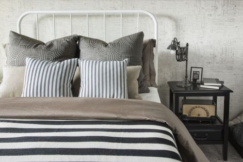 Ways Make Your Bedroom Clutter Free And Way More Chill 14