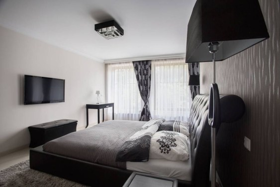 Ways Make Your Bedroom Clutter Free And Way More Chill 40