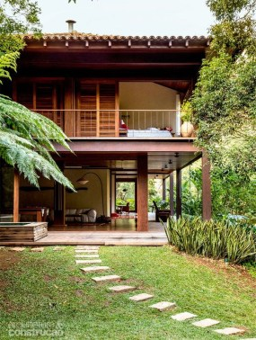 A Wooden House That's Simple On The Outside But Modern On The Inside 25