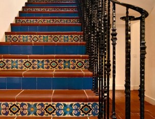 Beautiful Tiled Stairs Designs For Your House 13