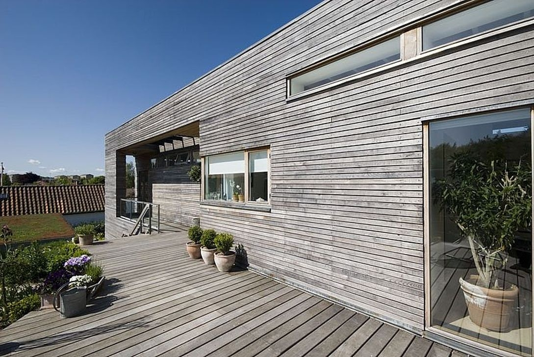 Charming And Minimalist Wooden House 23