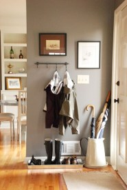 Chic And Simple Entrance Ideas For Your House 32