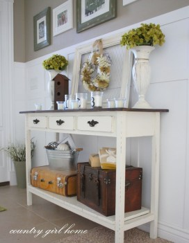 Stylish Small Entrance Ideas 41