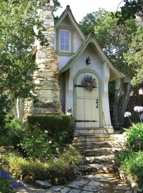 This Small Charming House Is Perfect 02