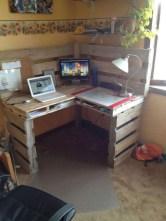 Adorable Crafty Diy Wooden Pallet Project Ideas 21