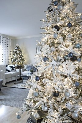 Adorable White Christmas Decoration Ideas 09